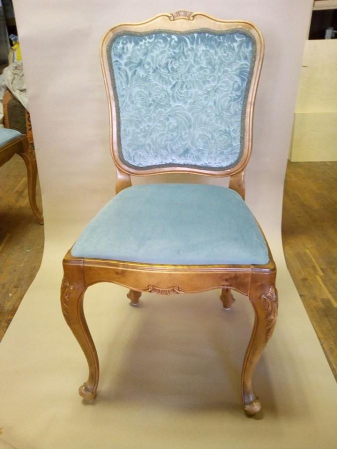 Kėdės su minkšta atkalte atnaujinimas