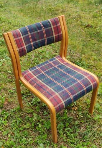 12 suneriamų kėdžių