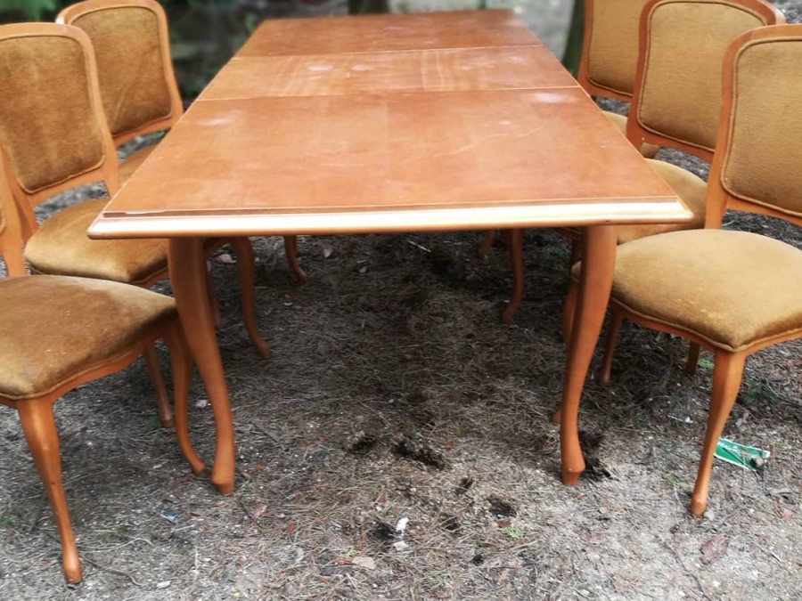 Pietų stalas komplektas